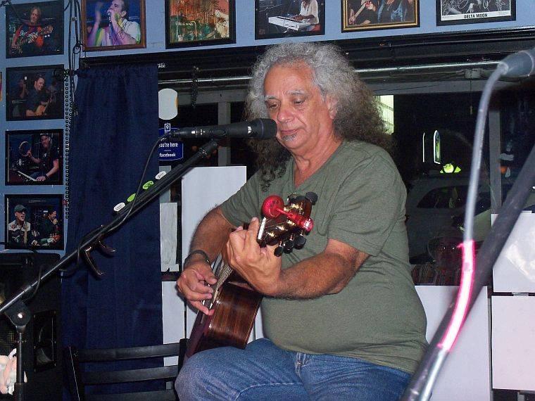 <a class=&quot;amazingslider-posttitle-link&quot; href=&quot;http://www.makingascene.org/bobby-messano-darwins-blues-club-marietta-july-16/&quot;>Bobby Messano at Darwin&#39;s Blues Club in Marietta July 16</a>