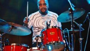 el-baterista-yonrico-scott