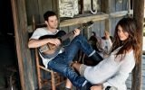 kellan_lutz_brunette_guitar_girl_home_play_model_boyfriend_saddle_hut_31371_3840x2400